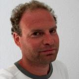 Marco Kunst schrijft voor typecursus GigaKids